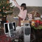 0712-5-xmas-sonja-mit-jojo-und-computer