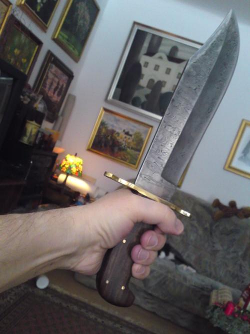 101219-bowie-knife
